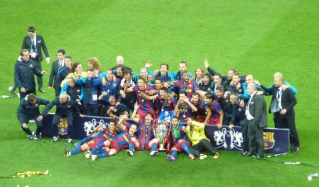 Barcelona celebrating
